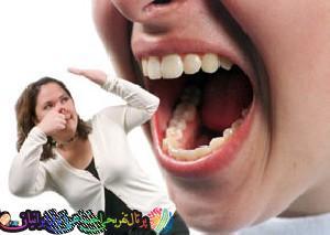 بوی بد دهان خودرا هنگام خوردن سیر و پیاز رفع کنید