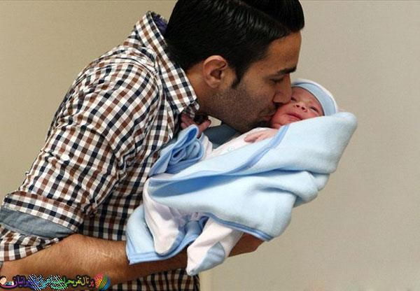 گفتگویی با جواد نکونام به همراه عکس فرزندش