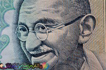 10 اصل از گاندی که میتواند شما را متحول کند